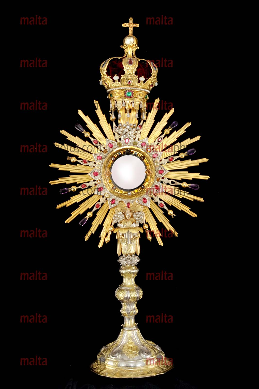 church monstrance ostensorium ostensory consecrated eucharist stand